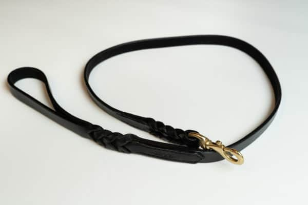 Angel Braided Argentinean leather dog lead Black