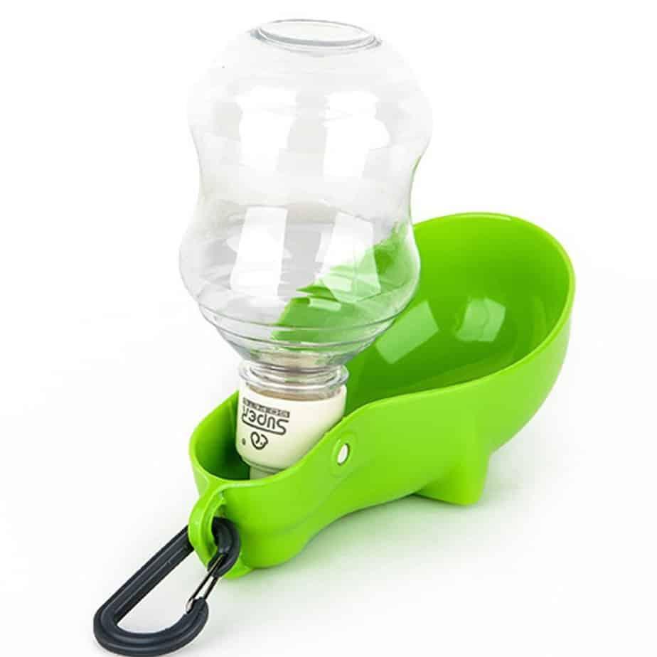 Super Design dog water bottle with clip