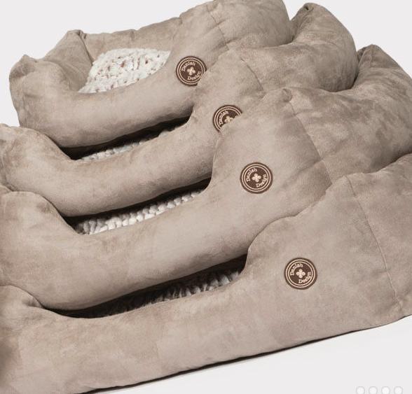 Danish Design Snuggle dog bed Arctic
